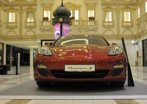 Porsche for sale in the Via Domo luxury zone