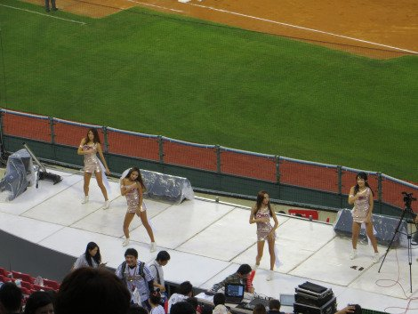 LG Twins Cheerleaders Baseball in Korea