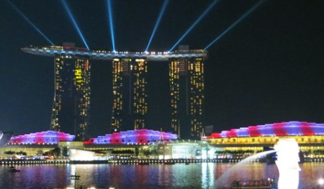 2 of Singapore's Icons. Marina Bay Sands and the Merlion