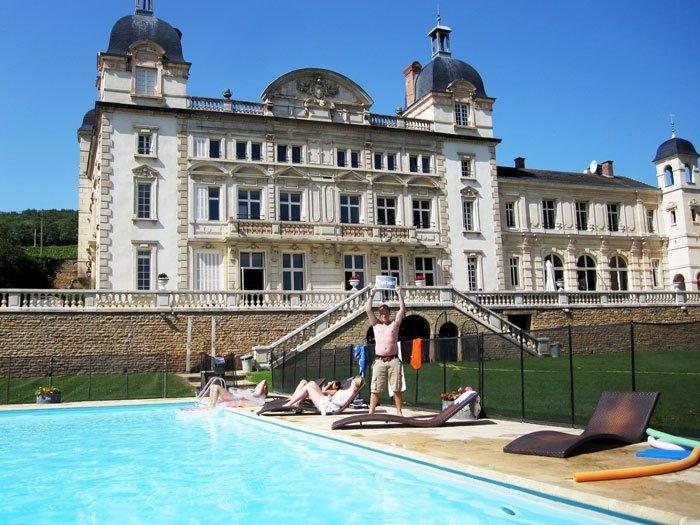 Contiki's Chateau de Cruix