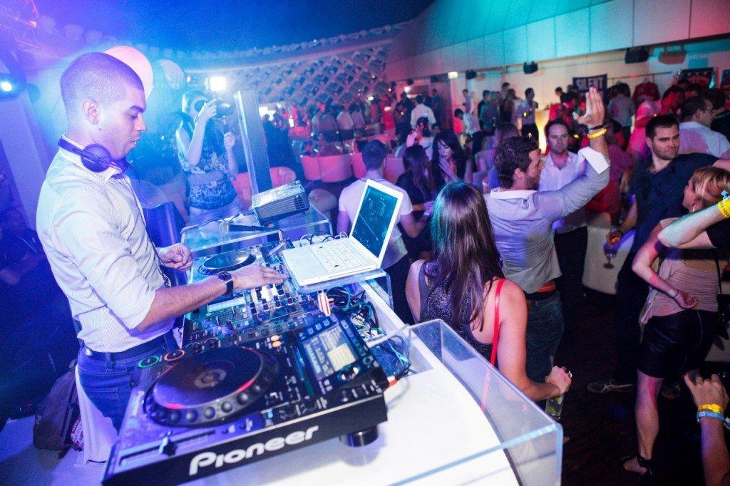 Miles Slater (Resident DJ of boujis) - Head DJ at The Podium Lounge Singapore 2014