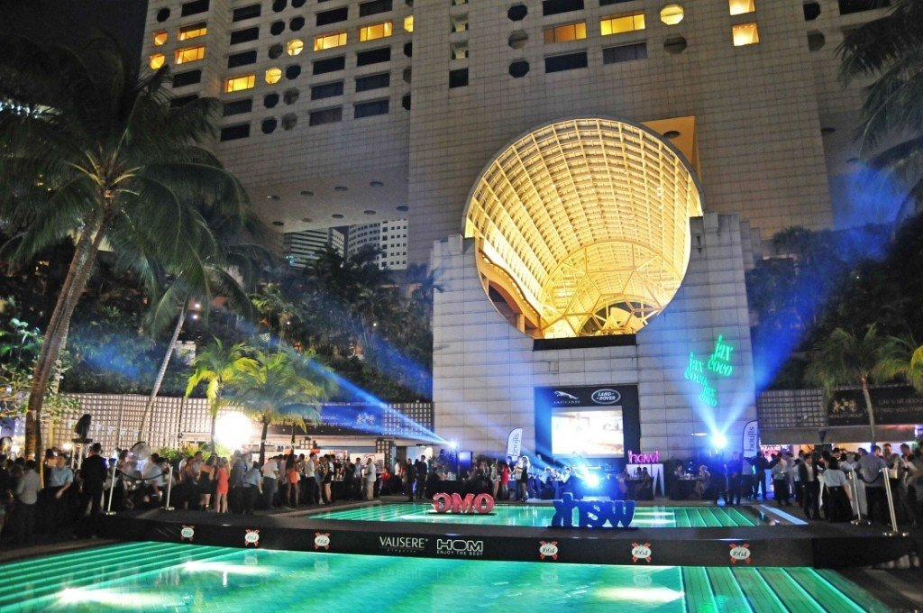 The Podium Lounge 2013 - The Ritz-Carlton, Millenia Pool.