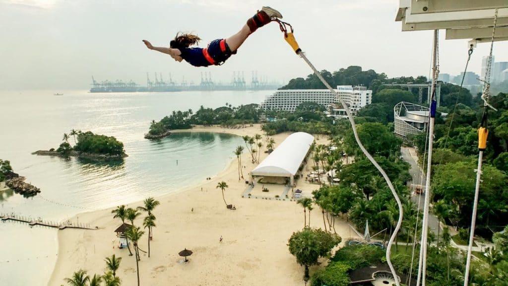 Bungy Jumping Siloso Beach Sentosa Singapiore